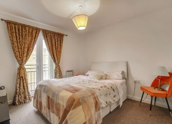 Thumbnail 3 bed flat to rent in Commercial Way, London