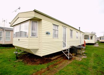 Thumbnail 3 bed mobile/park home for sale in Lilac Avenue, St Osyth, Clacton-On-Sea