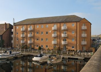 Thumbnail 2 bed flat for sale in Mariners Quay, Brighton