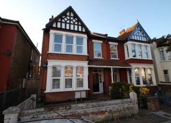 2 bed flat to rent in Cranley Road, Westcliff-On-Sea SS0