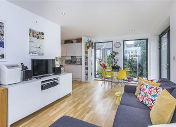 Hayes Mews, London SE8. 2 bed flat