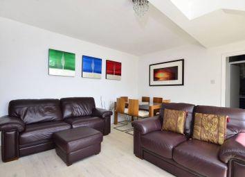 Thumbnail 2 bed flat to rent in Earlsfield Road, Wandsworth Common