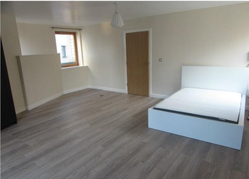 Thumbnail 3 bed terraced house to rent in Crossway, London