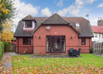 4 bed bungalow for sale in Bonnett Mews, Hornchurch, Essex RM11
