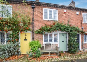 Thumbnail 2 bed cottage for sale in High Street, Old Amersham, Buckinghamshire