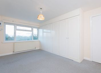 Thumbnail 2 bedroom flat to rent in Warwick Road, New Barnet, Barnet