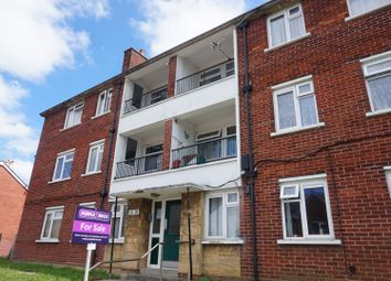 Thumbnail 3 bed flat for sale in Kings Road, East Cowes