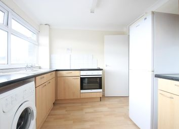 Thumbnail 2 bedroom flat to rent in Jengers Mead, Billingshurst