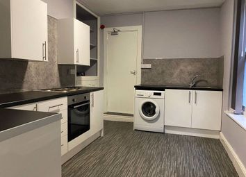 3 bed flat to rent in Hull Road, Cottingham Road, Hull HU6