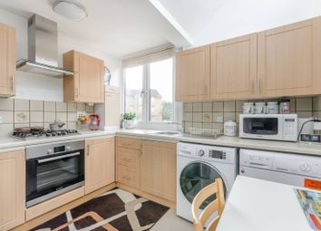 Thumbnail 1 bedroom flat for sale in Frogmore, Wandsworth