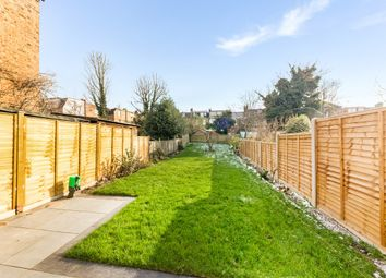 3 bed semi-detached house to rent in Goodwyns Vale, London N10