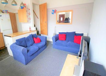Thumbnail Room to rent in Woodside Place (Room 3), Burley, Leeds