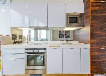 Thumbnail 1 bedroom flat for sale in Fairmount Avenue, Canary Wharf