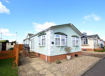 Thumbnail 2 bedroom mobile/park home for sale in Waterbeach Court, Waterbeach