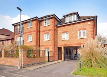 Thumbnail Flat to rent in The Retreat, Surbiton