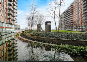 Thumbnail 1 bedroom flat to rent in 1 Fairmont Avenue, Canary Wharf
