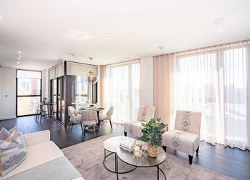 Thumbnail 2 bed flat to rent in 6-8 Charles Clowes Walk, Fulham, London