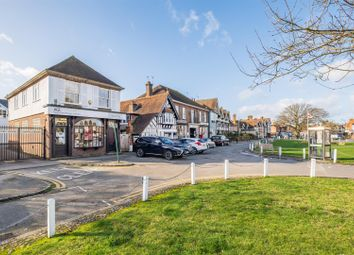 Thumbnail Flat to rent in The Green, Datchet, Slough