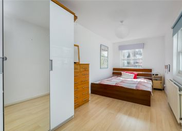 Thumbnail 1 bed flat to rent in Battersea Rise, Battersea, London