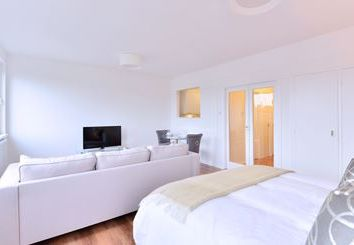 Thumbnail 1 bed flat to rent in Luke House, Victoria, Sw1