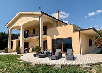 Thumbnail 4 bed villa for sale in Pescara, Castiglione A Casauria, Abruzzo, Pe65020