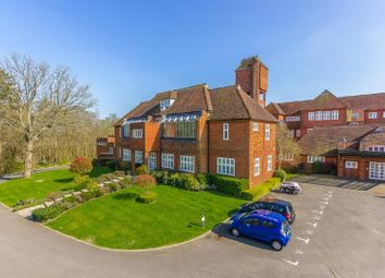 Thumbnail 2 bed flat for sale in Rendel House, Elizabeth Drive, Banstead