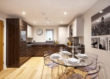 Thumbnail 2 bed flat for sale in Weldale Street, Reading
