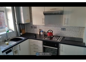 Thumbnail 2 bed flat to rent in Waveny House, London
