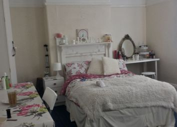 Thumbnail 10 bed property to rent in St. Michaels Villas, Headingley, Leeds