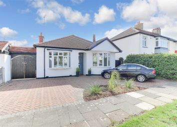 Madeira Avenue, Leigh-On-Sea SS9. 3 bed detached bungalow