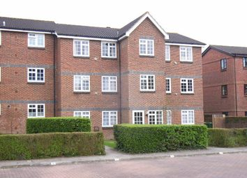Thumbnail 1 bed flat to rent in Abbotsbury Court, Kings Road, Horsham