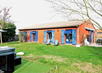 Thumbnail 3 bed detached house for sale in Midi-Pyrénées, Haute-Garonne, Labastidette