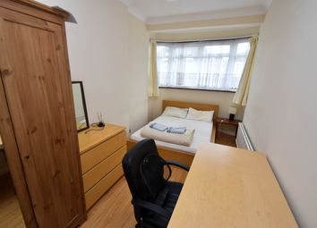 Thumbnail Room to rent in Belgrave Gardens, Oakwood, Southgate, Enfield