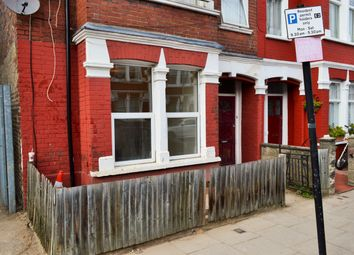 3 bed maisonette to rent in Bickley Street, Tooting Broadway SW17