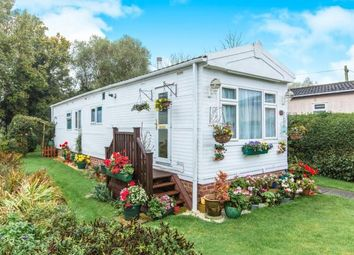 Thumbnail 2 bed mobile/park home for sale in Willow Way, St. Ives, Cambridgeshire