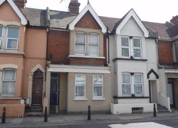 Thumbnail 1 bed flat to rent in Balmoral Road, Gillingham, Kent