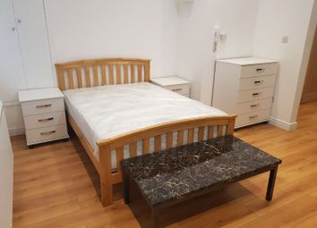 Thumbnail 1 bed flat to rent in London Road, Norbury