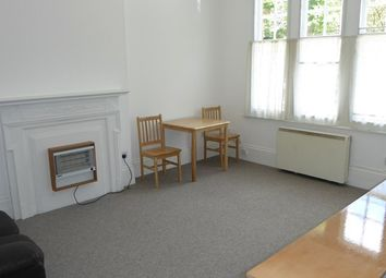 Thumbnail 1 bed flat to rent in The Grove, Finchley, London