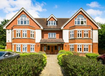 Thumbnail 2 bedroom flat to rent in Park Lane East, Reigate