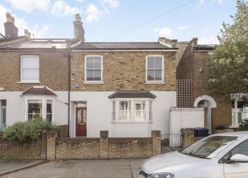 2 bed property for sale in Chaucer Road, London W3