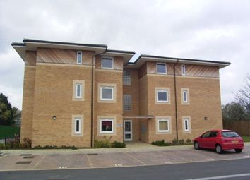 2 bed flat to rent in Stafford Avenue, Hornchurch RM11