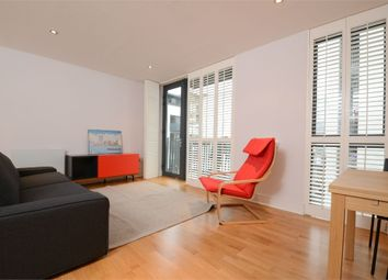 3 bed flat for sale in Vesta Court, City Walk, London Bridge SE1