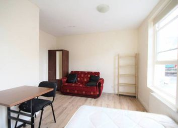 Thumbnail 5 bed flat to rent in Union Street, High Barnet, Barnet