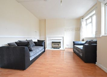 Thumbnail 3 bedroom flat to rent in Cable Street, London