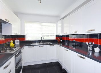 Thumbnail 2 bedroom flat for sale in Elizabeth Court, 170 Hempstead Road, Watford, Hertfordshire