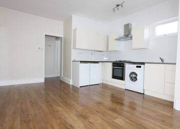 1 bed property to rent in Cranbrook Road, Ilford IG1