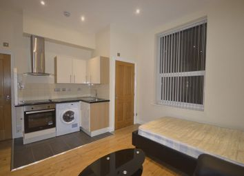 Thumbnail 1 bed flat to rent in Fosse Road North, Leicester