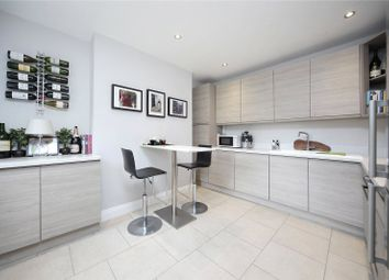 Thumbnail 2 bed flat to rent in Wontner Road, Balham, London