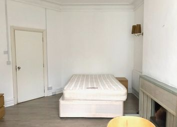 Thumbnail Room to rent in Queens Road, Hendon, London