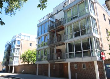 Thumbnail 1 bed flat to rent in Admiralty Road, Portsmouth